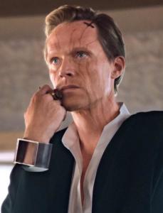 Dryden Vos interpretado por Paul Bettany.