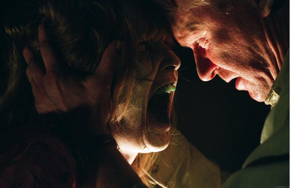 Imagen de la película el exorcista el comienzo